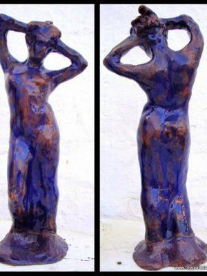 Figura femenina esmaltada